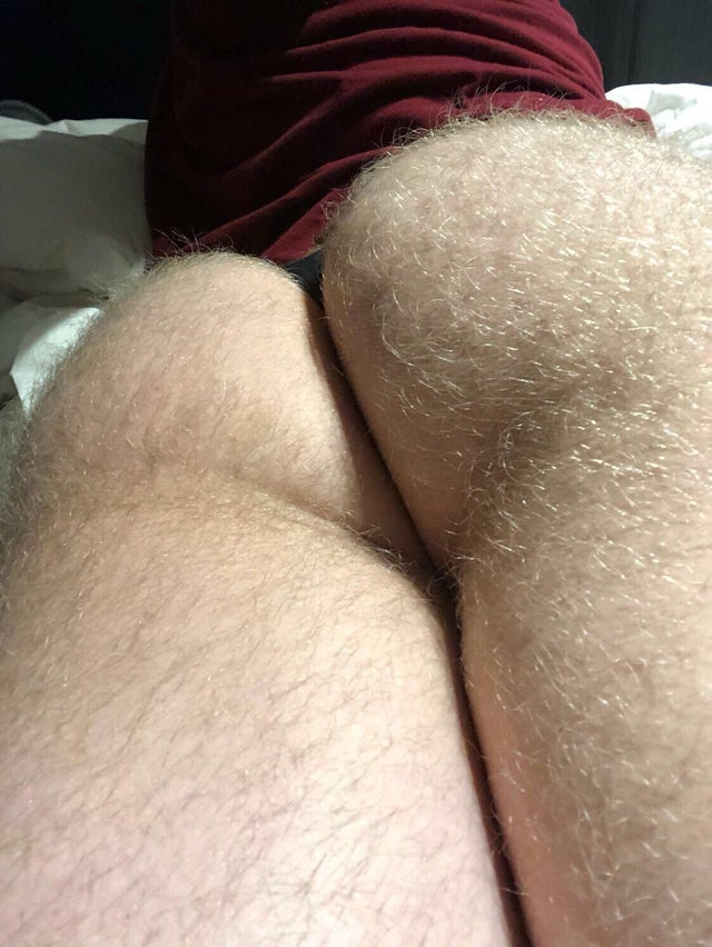Hairy booty pic